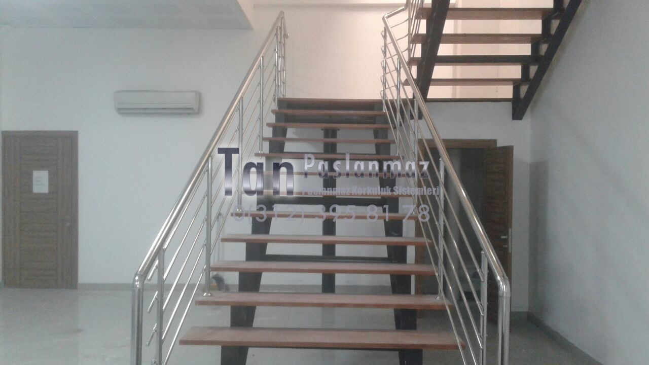 Yatay Emniyetli Paslanmaz Merdiven Korkuluğu (19)